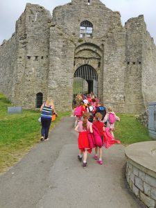 YGG Login Fach Pictured on a Tour of Oystermouth Castle